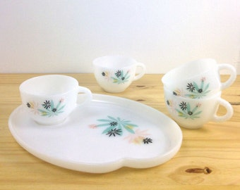 Vintage Floral Snack Set / Milk Glass Teacup and Saucer Set / Federal Glass Co / Atomic Leaf Print / Patio Snack Set / Snack Plate and Cup