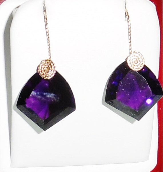 36 cts Fancy cut Deep Rich Purple Amethyst gemstones, 14kt yellow gold Pierced Earrings