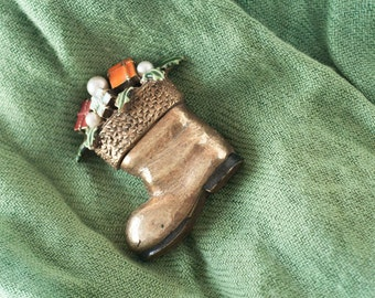 Vintage Christmas Stocking Pin Brooch Signed ART 1960s Retro Kitsch Jewelry Goldtone Enamel