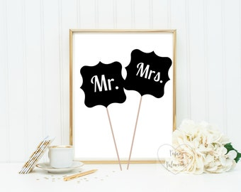 Mr and Mrs wedding photo props
