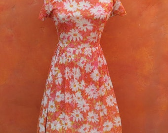Vintage 1950s 1960s Orange yellow Coral Pink White Daisy Floral Day Swing Dress. Medium