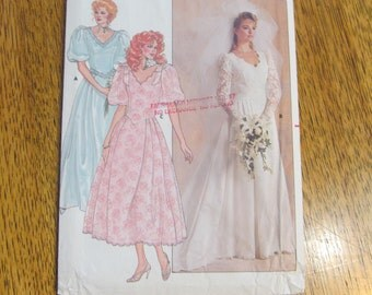 ROMANTIC Wedding Gown - PRINCESS Seamed Formal Dress w/ Puff Sleeves & Train - Size 12 - UNCUT Sewing Pattern Butterick 3615