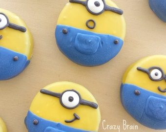 Chocolate Dipped Minion Oreos (12)