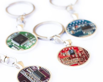 Geeky Keychain - Men - Circuit board Keyring - recycled - gift for him - computer nerd gift