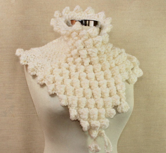 Off White Scarf, Knit Loop Scarf, Chunky Infinity Scarf, Thick Cowl, Cable Knit Scarf, Capelet, Oversized Cowl Neck, Crochet Loop Scarf