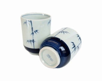 Japanese Pottery Tea Cups. Vintage Yunomi. Bamboo Pattern. White and Blue. 1960s.