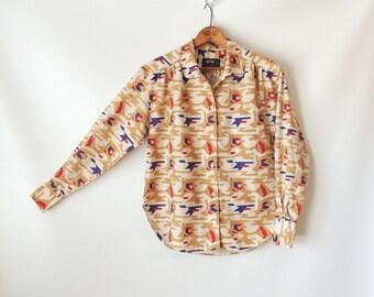 80s Ikat Print Blouse / Linen Button Down Shirt / Southwest Blouse / Ethnic Ikat Tribal Print / Linen Safari Shirt / British Khaki / Small