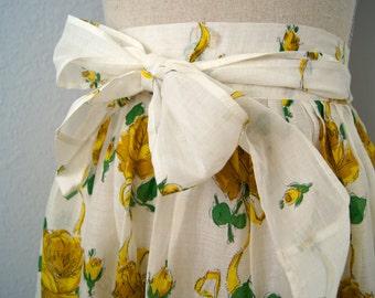 Vintage retro 1950s yellow floral hostess apron
