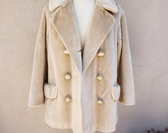 SALE // Vintage Fur Coat, Light Brown Fur Coat, Tan Fur Coat, Beige Fur Coat, Possibly Faux Fur Coat, Winter Coat