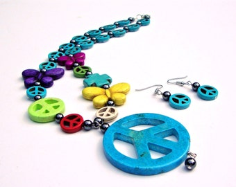 Large peace sign pendant necklace, kitsch jewelry, turquoise peace sign necklace, beaded peace jewelry, retro inspired jewelry