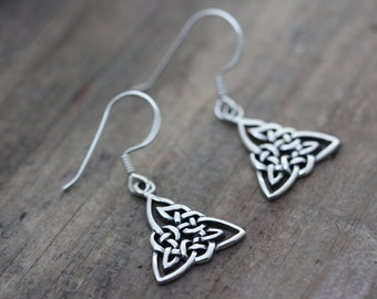 Sterling silver Trinity Knot Earrings, Gorgeous Silver Triquetra Earrings, Silver Celtic Earrings, Love, friendship symbol