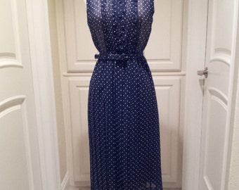 Vintage Navy blue polka dot dress / sleeveless summer dress / button front with ruffles / pleated skirt / belted dress / S/M cotton dress