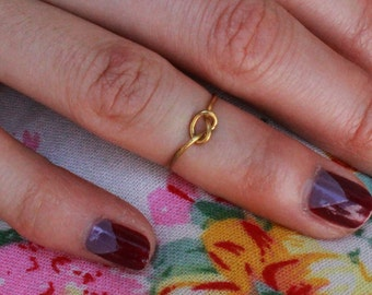 Knot Midi or Regular Ring - gold or silver
