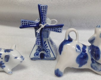 Set of Three Blue Delft Collectible Figurines