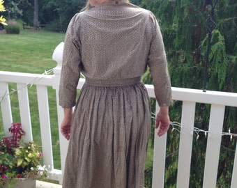 Antique Calico Farm Dress, late 1800s early 1900s // hand made, printed gray cotton, leaves