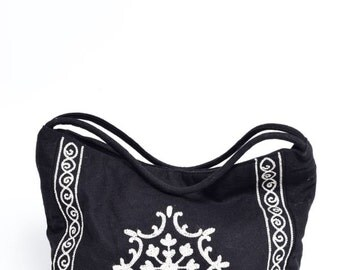 Vintage Wool Ethnic Black and White Ornaments Hand Bag