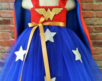Wonder woman inspired tutu dress. Halloween costume. Superhero costume tutu. Wonder woman cape. Hero costumes girls. Halloween Super hero