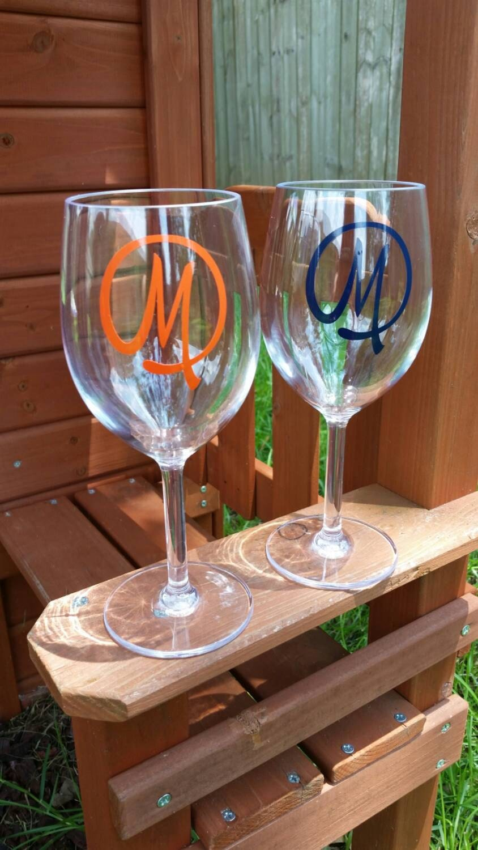 Monogram plastic wine glasses monogram wine glass acrylic for Acrylic paint on wine glasses