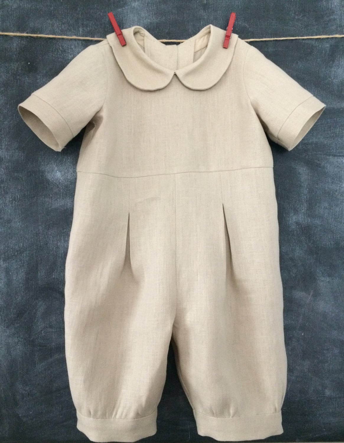 Babies will feel cool and comfortable in this practical summer romper suit.