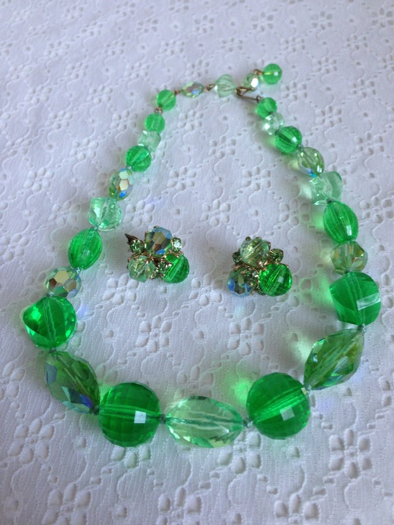 SALE Vintage VOGUE Faceted Green Lucite Plastic Beads Necklace and Clip Earrings