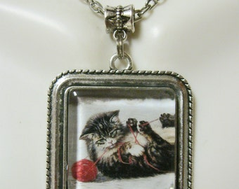 Red yarn kitty pendant with chain - CAP05-146