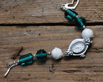 Pacific: wrist watch with bracelet murano glass Lampwork beads green & white Lampwork