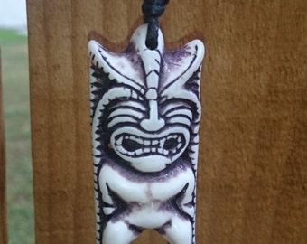 Tiki Hawaiian totem pendant necklace leather (resin)