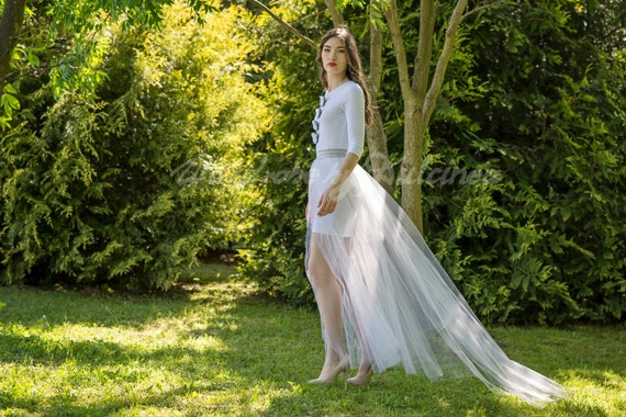 Breath of tulle - detachable tulle overskirt