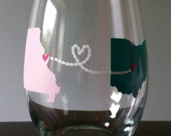 Love Knows No Distance Personalized Long Distance Love/Friendship Wine Glass