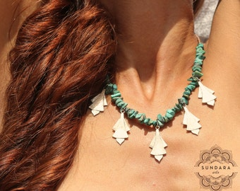 LAGRIMAS. Turquoise necklace with handmade decorations of silver. Single piece