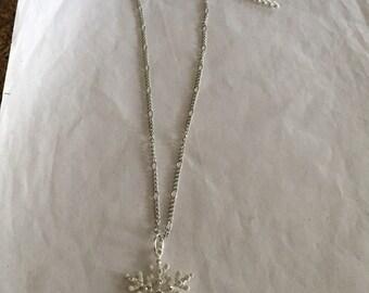Pretty Snowflake Necklace!