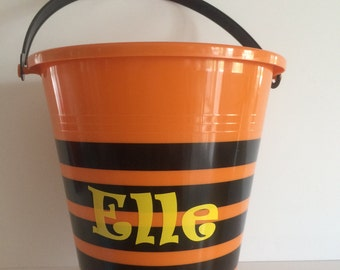Personalized Halloween Bucket, Personalized Halloween Pail, Custom Halloween Treat Bag, Monogrammed Bucket, Trick or Treat Pail, party favor