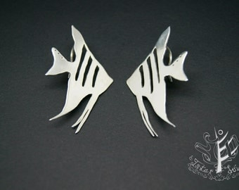 Fishes know where to go - earrings