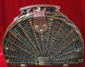 Vintage Wicker Basket Purse/Bag Travel Basket, Picnic Basket, Basket Handbag, Creel