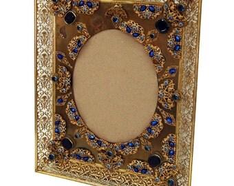 6068 Spectacular Antique Bronze Picture Frame