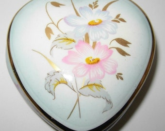 1970s Royal Worcester Pallisy Heart Shaped Trinket Pot