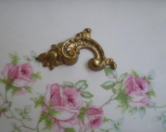 Medium brass paisley metal stamping