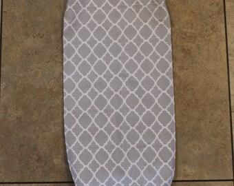 Gray and White Quatrefoil Plastic Bag Holder