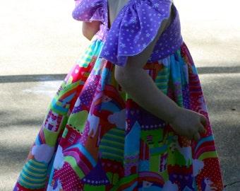Girls dress unicorns. Girls dress flutter sleeves. Princess Castles Unicorns dress Girls birthday dress. Size 2T ready to ship.