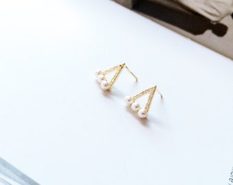 Gold Diamond Pearl Earring 925 Sterling Silver Triangle Stud Earring Hallow Pattern Earring Simple Everyday Wedding Bridal Bridesmaid Gift