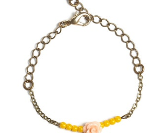 Bracelet beads yellow jade and pink flower