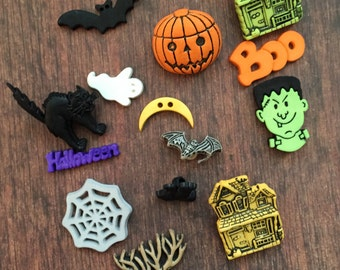 Haunted House Halloween Buttons, Packaged Novelty Button Assortment, Style 4518 Includes Houses, Tree, Cat, Bat, Jack O Lantern and More