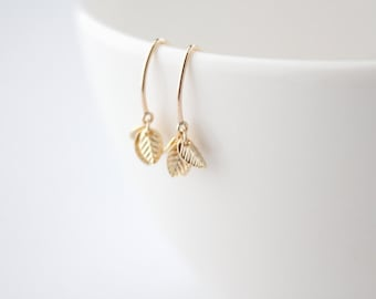 Mini Leaf Cluster Earrings - Tiny Leaves - Basilico