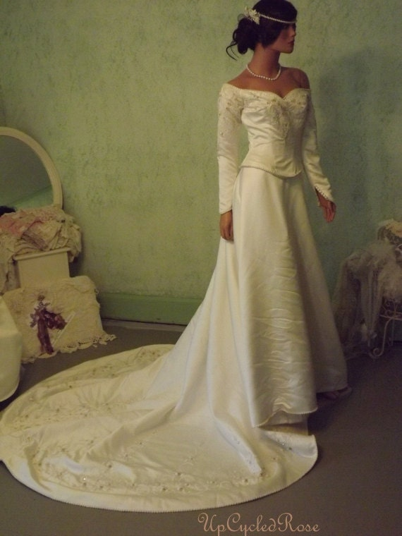 Price Reduced Save 60.00 Mechelle's Belle of the Ball Vintage Winter White Mid-Evil Inspired Wedding Gown
