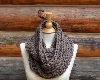 Chunky Crocheted Wool-Blend Infinity Scarf in Barley