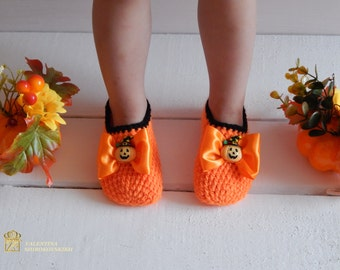 Orange Crochet Slippers to halloween.  SLIPPERS SOCKS