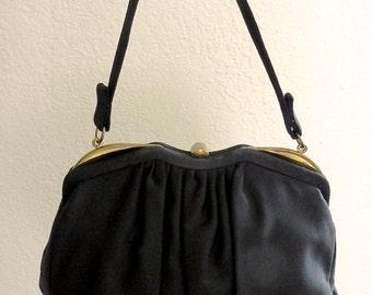 Vintage Handbag. Black Purse. 1950s. Retro Fashion