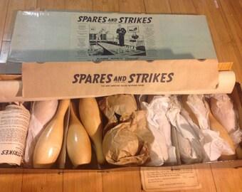 Vintage 1942 SPARE AND STRIKES Bowling Game ~ Klauber