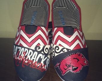 Arkansas Razorbacks women's shoes toms available