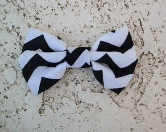 Chevron clip on bowtie, turquoise or black/white
